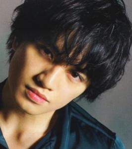 中島健人髪型 黒髪ウェーブ(カール)6