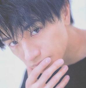 中島健人髪型 黒髪ストレート8