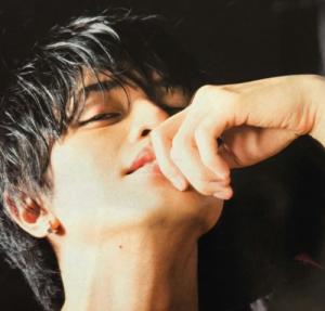 中島健人髪型 黒髪ストレート7