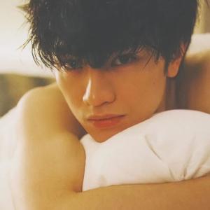 中島健人髪型 黒髪ウェーブ(カール)7