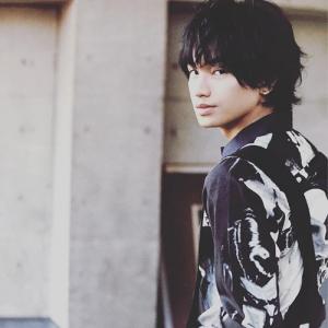 中島健人髪型 黒髪ウェーブ(カール)4