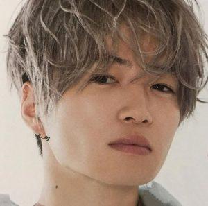 菊池風磨髪型 カラーヘア1
